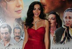 'Şuursuz Aşk' filminin galasına Ebru Şahin damga vurdu