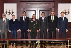 Fenerbahçe Başkanı Ali Koçtan Genelkurmay Başkanı Gülere ziyaret