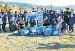 Lansinoh'dan Foça'da sahil temizliği