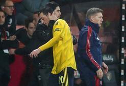 Eski takım arkadaşı işleri değiştirdi Mesut Özil...