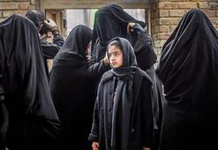 İranda gece partisine katılan 60 kişi gözaltına alındı