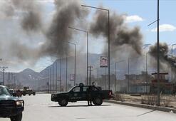 Afganistanda askeri karakola bombalı saldırı: 10 ölü