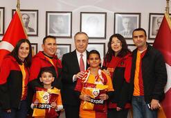 Galatasaraylı minik taraftar, kulüp başkanı Mustafa Cengizle bir araya geldi