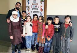 Türk ve Suriyeli öğrencilere robotik kodlama eğitimi