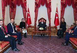 Cumhurbaşkanı Erdoğan, Hande Yener ve Demet Akalını kabul etti