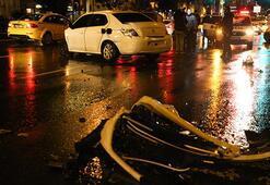 Alkollü sürücünün çarptığı otomobil metrelerce sürüklendi