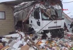 Viranşehirde TIR markete daldı: 4 yaralı