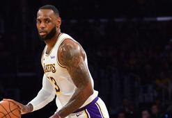 Lakers, LeBron Jamesin tarihe geçtiği maçta Mavericksi yendi
