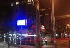 İstanbulu şiddetli rüzgar esir aldı: İskele koptu, çatılar uçtu