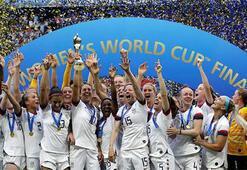 Dünyada 2019 böyle geçti: Futbola kadın eli değdi