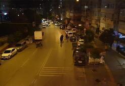 İzmirde silahlı saldırı Tesadüfen yoldan geçen 2 kişi öldü