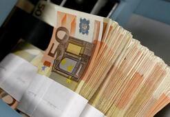 Geçen yıl kasımda Euro Bölgesinde şirket kredileri ivme kaybetti