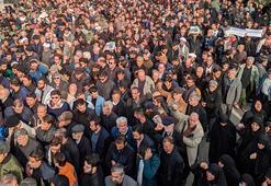 İranda cuma namazı sonrası ABD karşıtı gösteriler düzenlendi