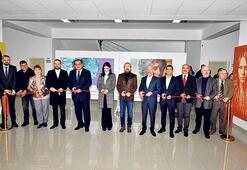 Akadamisyen Ergün'ün sergisi YDÜ'de açıldı