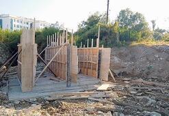 Girne'de su taşkınlarına karşı menfez yapılıyor
