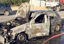 Seyir halindeki araç tamamen yandı