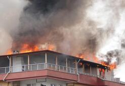 5 katlı binada korku dolu anlar Alev alev yandı