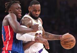 Lakers, LeBron Jamesin triple-double yaptığı maçta Pistonsı yendi