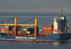Fırtınaya yakalanan gemideki 6 konteyner denize düştü