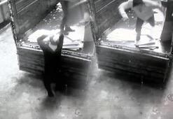 Üzerilerine düşen çatıdan son anda kurtuldular