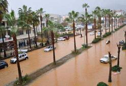 Antalya suya gömüldü