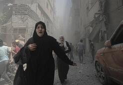 Çatışmaların artmasının ardından 300 bin Suriyeli İdlibte evlerini terk etti