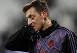 Mesut Özil antrenmanlara devam ediyor