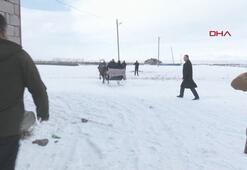 Erzurum Belediye başkanı ve müdür bindikleri atlı kızağı durduramadı
