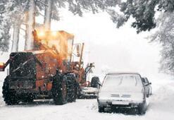 Kazdağları'nda kar mücadelesine devam