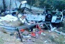 İranda otobüs devrildi: 20 ölü, 23 yaralı