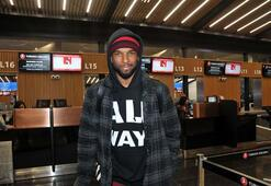Son dakika | Galatasarayda ayrılık Ryan Babel İstanbul Havalimanına geldi...