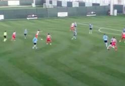 Galatasarayın gözdesinden hazırlık maçında enfes gol
