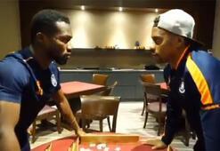 Medipol Başakşehirli futbolcular Robinho ve Azubuikeden Çiçek Abbas atışması