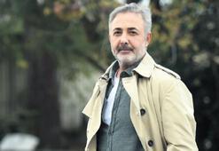 Mehmet Aslantuğ: Tabii ki bir şeyler yazıyorum