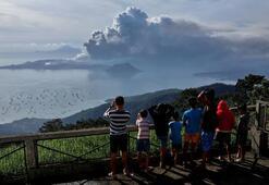 Son dakika   İkinci patlama 52 kez deprem oldu, insanlar tahliye ediliyor...