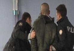 Taksimde hareketli dakikalar Polislere saldırdılar...