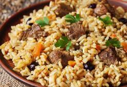 Bu yemeği sadece evin erkeği yapıyor: Özbek pilavı