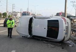 Bariyere çarpıp devrildi Sürücü ölümden döndü