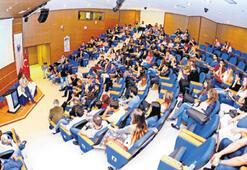 Yaşar Üniversitesi'nde  tam burslu doktora