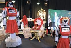 Bu robot kına yakıyor geline türkü söylüyor
