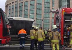 Son dakika... Metrobüste yangın Seferler aksıyor