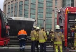 Metrobüste yangın Seferler aksıyor