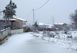Son dakika... İstanbulda kar kapıya dayandı Silivri ve Çatalcada kar yağışı başladı