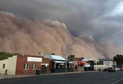 Avustralyada dev kum fırtınası