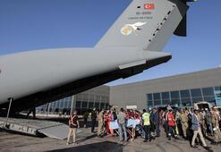 Somalideki yaralıları Türkiyeye getirecek uçak Mogadişuda