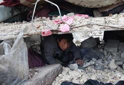 Son dakika... Rus savaş uçakları İdlibde sivilleri vurdu: 12 ölü