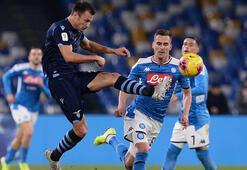 İtalya Kupasında Napoli, son şampiyon Lazioyu eledi