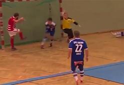 Futsalda sevindiren kaza golü