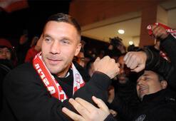 Son dakika transfer haberleri | Podolski resmen Antalyasporda