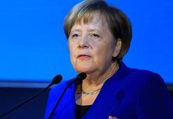Merkel: Suriyede yapılan hatalar Libyada tekrarlanmamalı